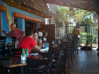 クリアウォータービーチのオススメレストラン「The Hub Baja Grill」の概要【アメリカ】