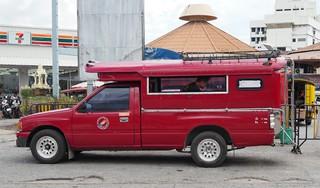 チェンマイ観光の足はソンテオ?トゥクトゥク?【タイ】