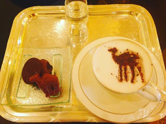 ラクダの搾りたてミルクをいただく!!! | ラクダ …