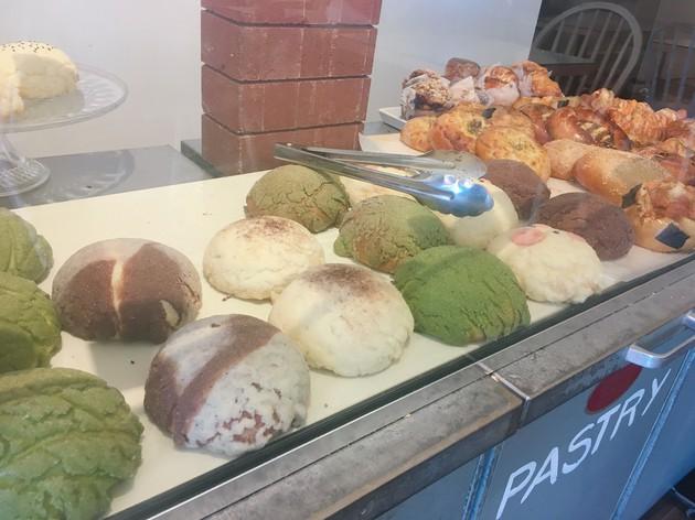 メロンパンが食べたい!そんなときは『Baker&Table Cafe』へ【カナダ・バンクーバー】