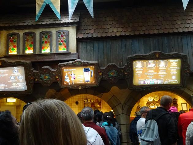 ピノキオのレストランでお茶タイム♪【フランス】